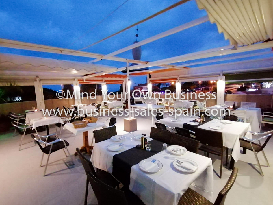 Restaurant/Bar With Very Large Terrace in Busy Calahonda Location