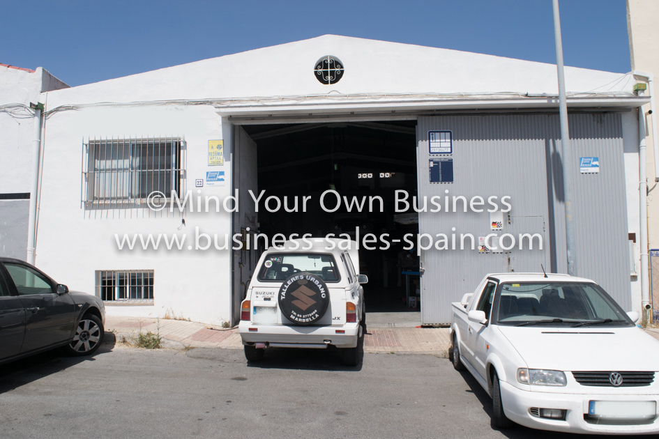 Well Established Mechanics Garage in Estepona