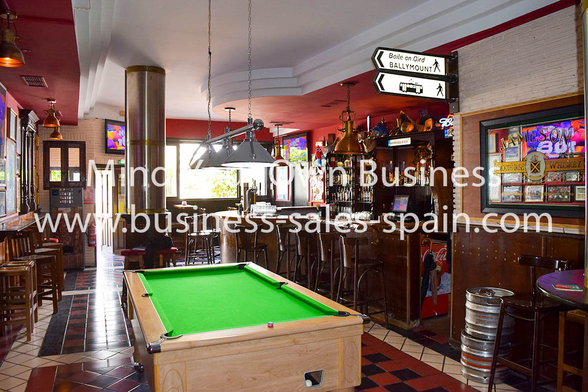 Music Bar with Terrace in Lovely Square in The Heart of Marbella Old Town
