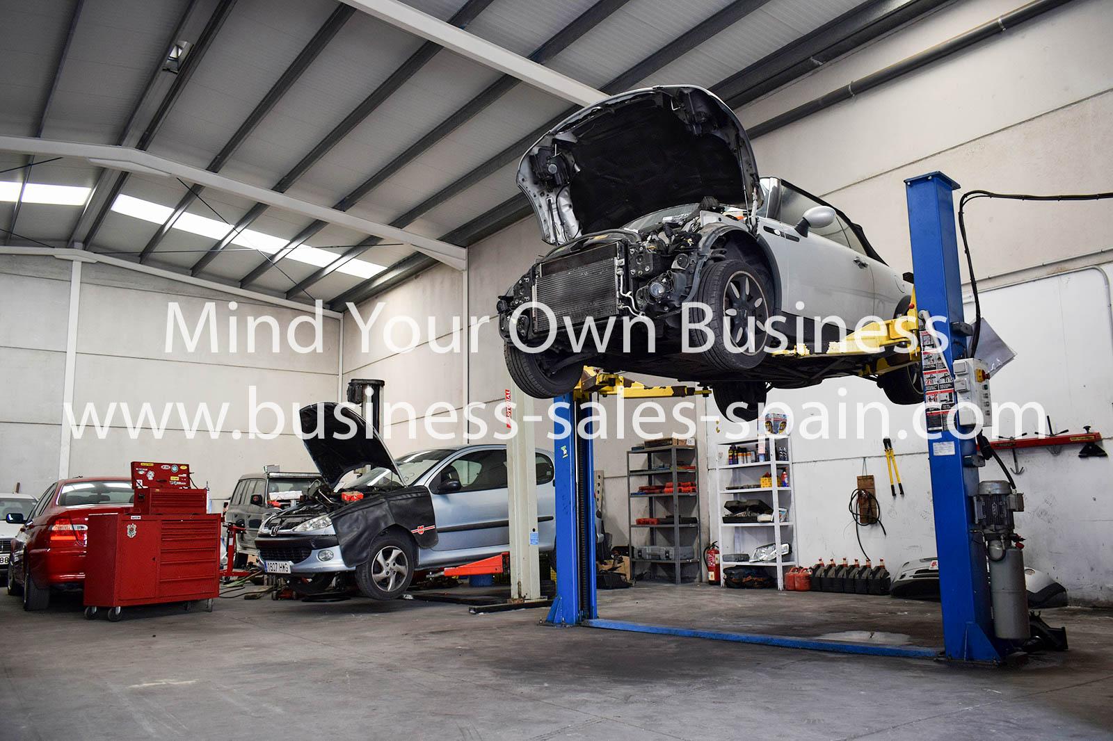 Very Well Established Mechanics Garage based in Manilva.